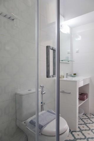apartment 3 agni studios shower