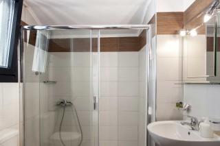 apartment 4 agni studios bathroom