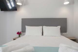 apartment 4 agni studios bed