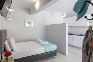 apartment 4 agni studios double bedroom