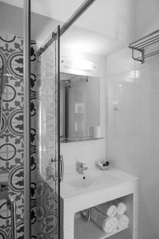 starfish suite agni bathroom