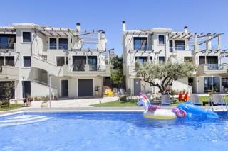 swimming pool agni apartments in lefkada