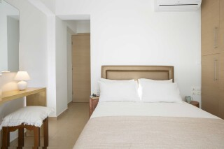 peal suite agni bedroom