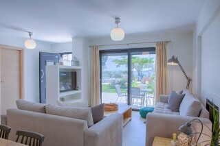 peal suite agni cozy living room