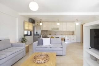 peal suite agni living room